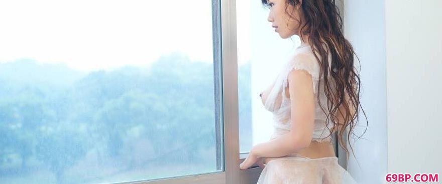 窗台上超模蓝衣1